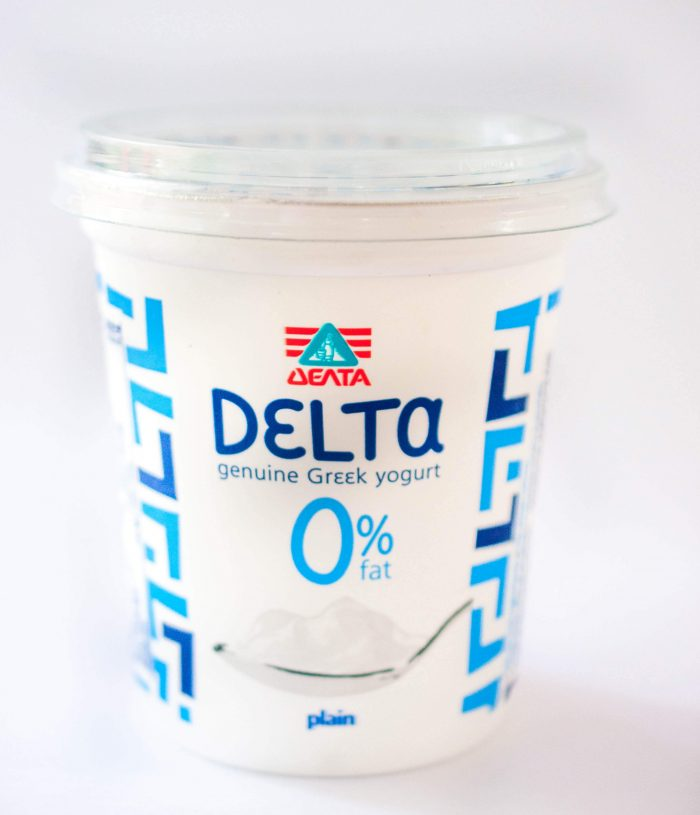 Greek yogurt - Delta Genuine Greek Plain Yogurt 0% fat - img4