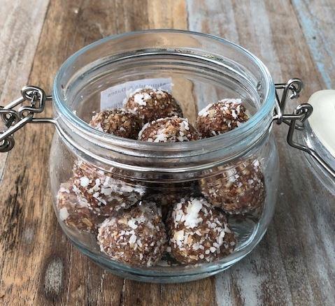 Almonds, Dates & Coconut