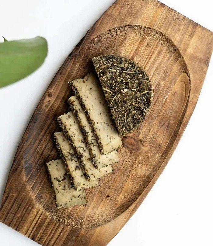 Garlic & Herbs Vegan Cheese